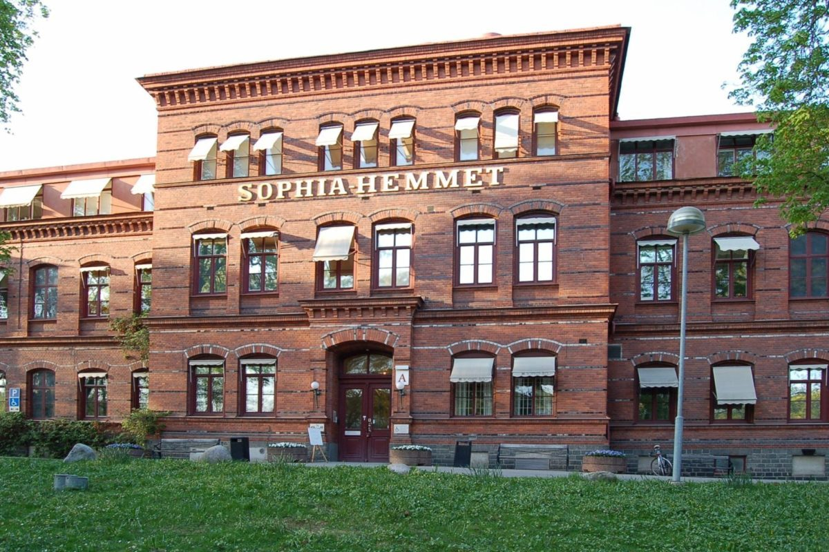 Sophiahemmet_Stockholm_front_20060509-1200x800_ca9fd70fef146eed3e740081edf5e0ce
